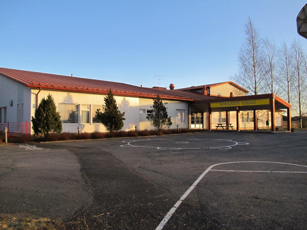 Kuva Niinijoen koulusta